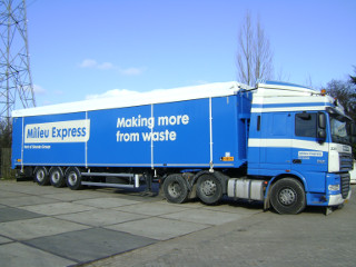 http://www.prems.work/userfiles/domat.nl/images/carousel_moving_floors/9.Milieu Express trailer.JPG